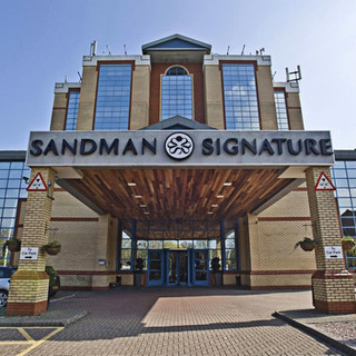 Sandman Signature London Gatwick Hotel