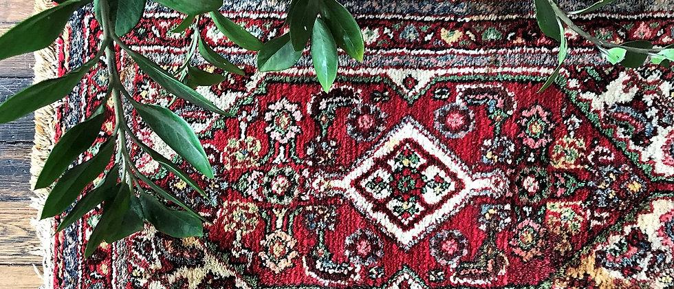 """vintage rug (39"""" x 21"""")"""