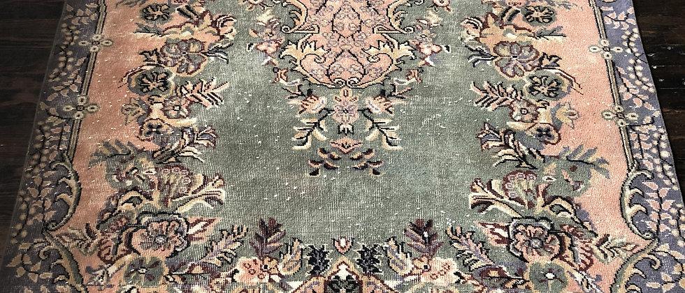 """vintage rug (9'6"""" x 5'7"""")"""
