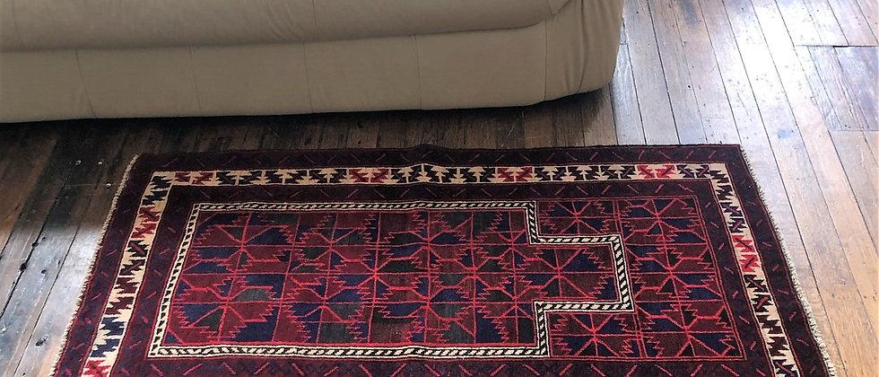 """vintage rug (4'8"""" x 2'8"""")"""
