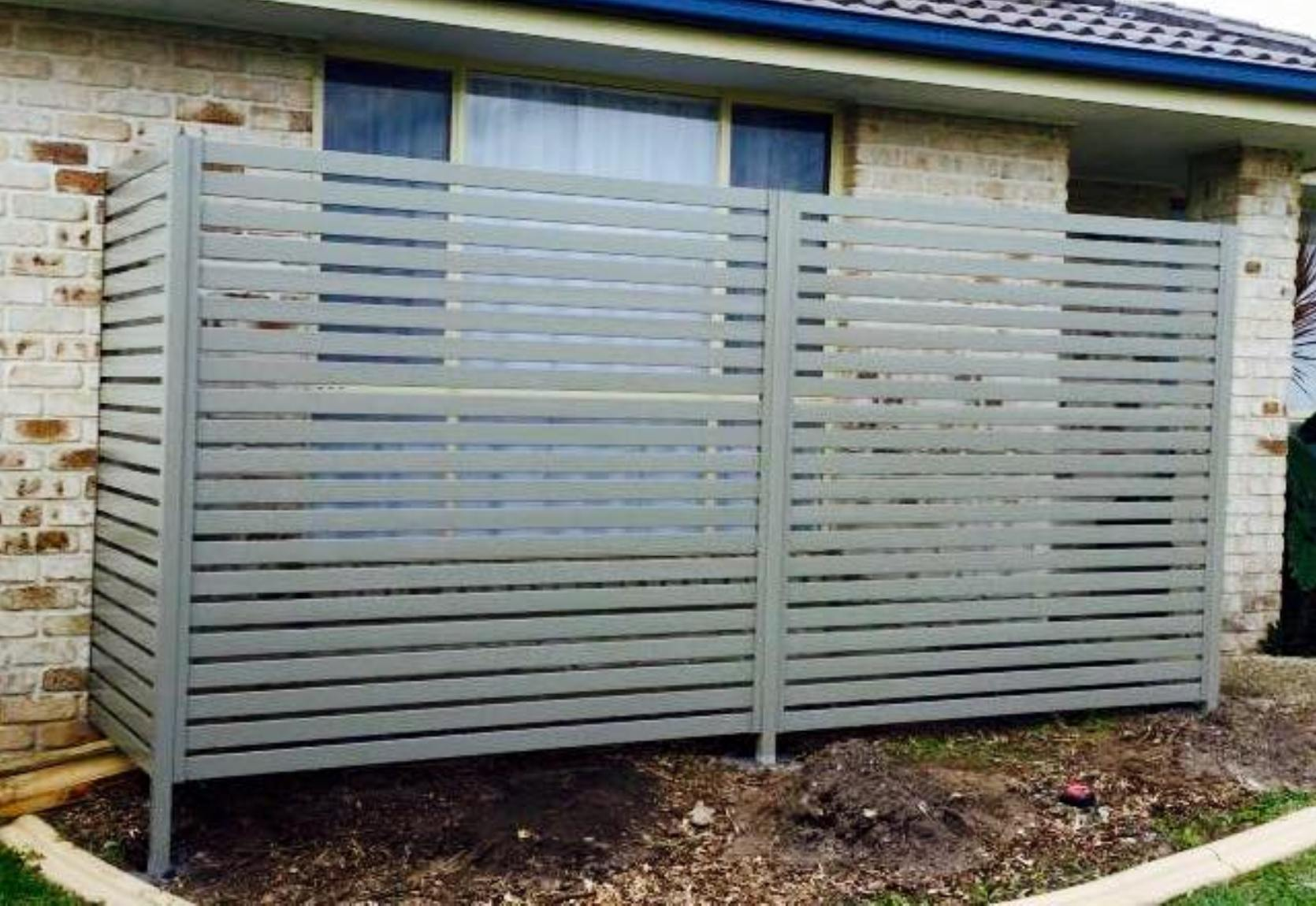 Aluminium Privacy Screen, Tea Tree Powdercoat.jpg