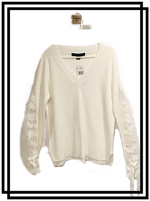 Women's lace sleeved sweater