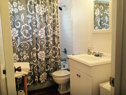 Cottage-Bathroom.jpg