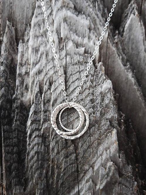 IIDEM - Silfur hálsmen með 3 hringjum