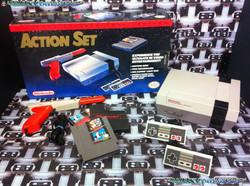 www.nintendo-collection.com - Nintendo NES Action  Set - Version Zapper Orange - Red Line - ligne ro
