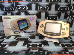 www.nintendo-collection.com - Gameboy Advance GBA Gold Or Toy R Us Toyrus Limited edition Japanese J