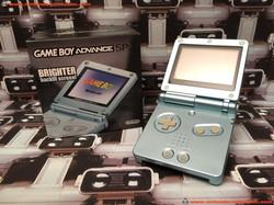 www.nintendo-collection.com - Gameboy Advance GBA SP Artic Blue Bleu Arctique edition Singapour Sing