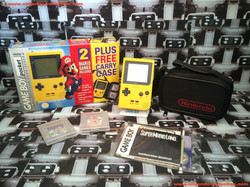 www.nintendo-collection.com - Gameboy Yellow jaune Pack Mario UK version united Kingdom - 01