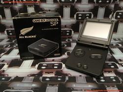 www.nintendo-collection.com - Gameboy Advance GBA SP All Blacks Limited Edition Australian New Zeala