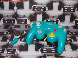 www.nintendo-collection.com - Gamecube controller manette Emeraude emerald green