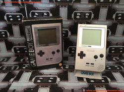 www.nintendo-collection.com - Gameboy Small Box Silver Argent ecran chrome no LED UK version united