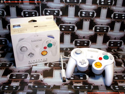www.nintendo-collection.com - Gamecube controller manette blanc white wii edition