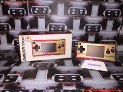 www.nintendo-collection.com - Gameboy Advance GBA Micro Mario 20th anniversary 20eme anniversaire Ja