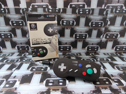 www.nintendo-collection.com - Gamecube controller manette Hori Gameboy player Black Noir