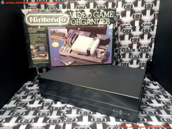 www.nintendo-collection.com - Nintendo NES Accessory Accessoire Dynasound Video Game Organizer