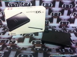 www.nintendo-collection.com -  Nintendo DS Lite Black Noir european version europe