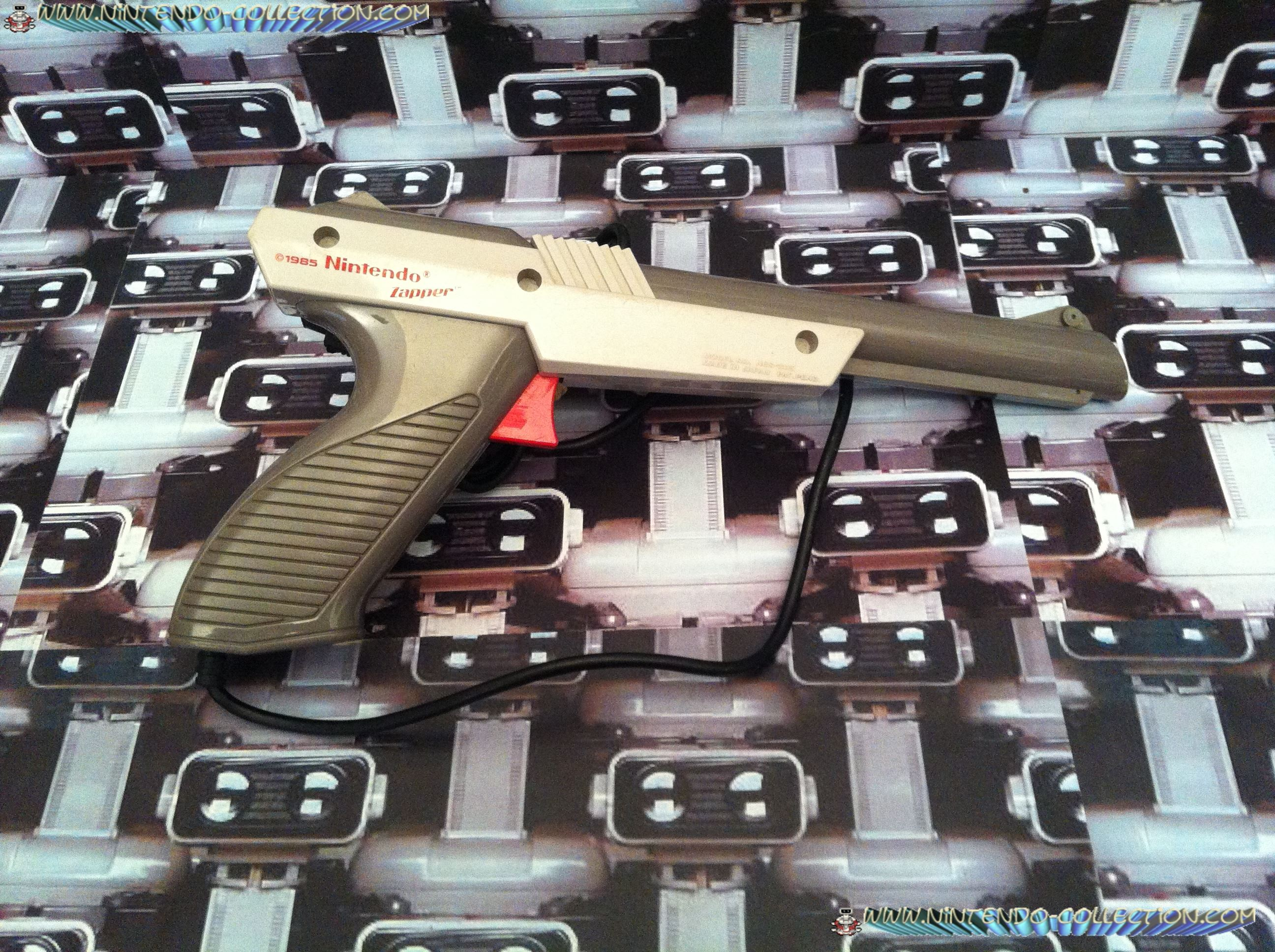 www.nintendo-collection.com - NES Zapper Gris Grey