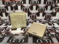 www.nintendo-collection.com - Gameboy Advance GBA SP Gold Limited Edition Toy R US ToyRus japan Japa