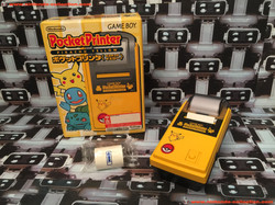 www.nintendo-collection.com - GameBoy Printer Pocket Printer Imprimante Pikachu Yellow Pokemon Cente