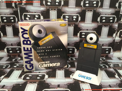 www.nintendo-collection.com - GameBoy Camera Yellow Jaune UK Version Royaume-Uni.JPG