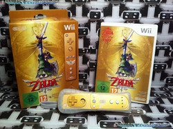 www.nintendo-collection.com - Wii Zelda Skyward Sword Limited Edition wiimote plus gold Zelda editio