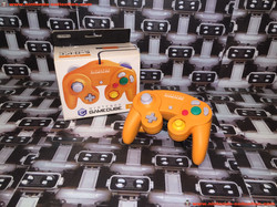 www.nintendo-collection.com - Gamecube controller manette spice orange en boite in box