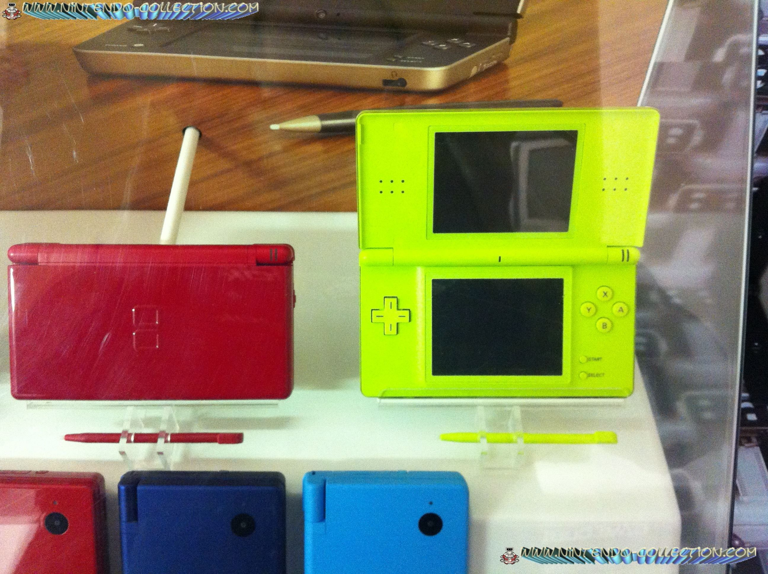 www.nintendo-collection.com - Vitrine Nintendo  DSi - 5
