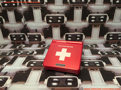 www.nintendo-collection.com - Gameboy Advance GBA SP SwissGamer Edition Limited Edition Suisse Swiss