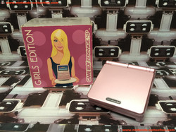 www.nintendo-collection.com - Gameboy Advance GBA SP Girls Edition Pink Rose Edition europeenne euro
