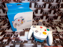 www.nintendo-collection.com - Gamecube controller manette Wavebird Club nintendo edition