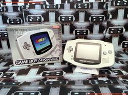 www.nintendo-collection.com - Gameboy Advance GBA White Blanche european europeenne