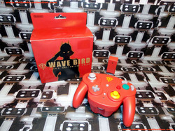 www.nintendo-collection.com - Gamecube controller manette Wavebird Gundam Char s customized color -