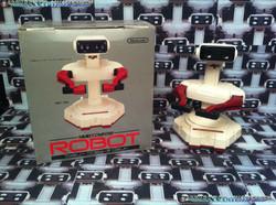 www.nintendo-collection.com -R.O.B. Famicom - 1