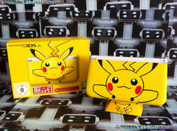 www.nintendo-collection.com - Nintendo 3DS XL Pikachu Limited Edition Front