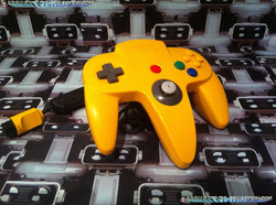 www.nintendo-collection.com  - Nintendo N64 Controller Yellow Manette jaune