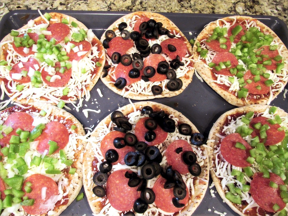 Uncooked Pita Pizzas