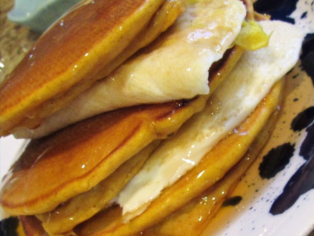 Epic Weekend Breakfast: Pumpkin Pancakes with Eggs
