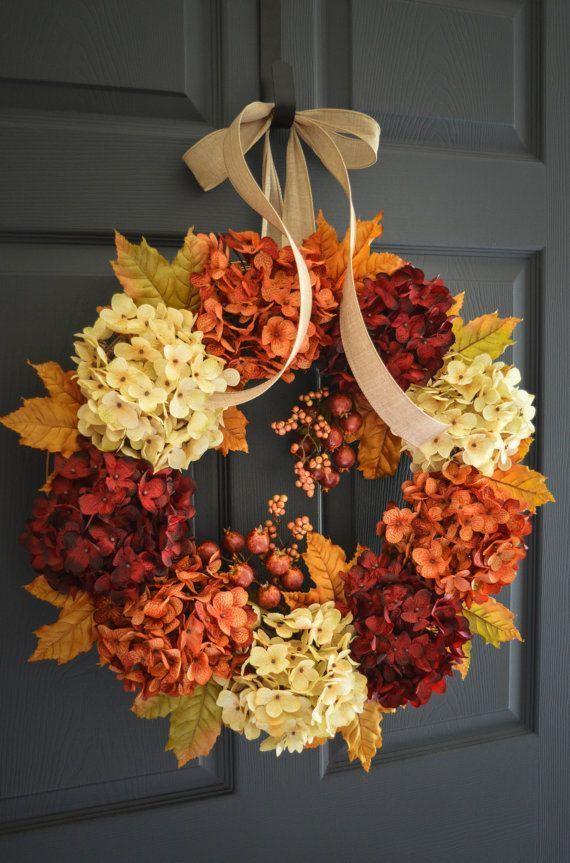 Corona decorativa para la puerta en colores tierra