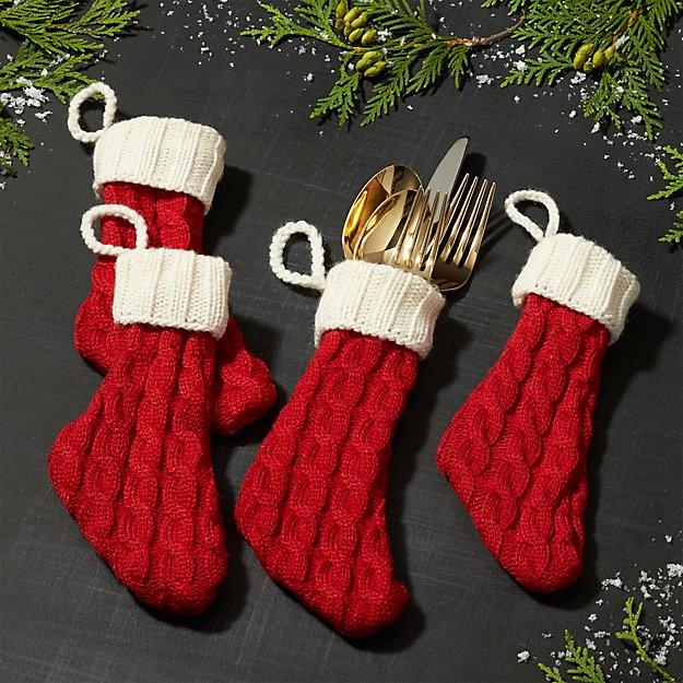 Menaje navideño en color rojo y dorado