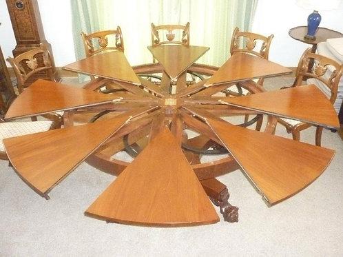 A cuban mahogany Jupe Table made by Martin Dodge