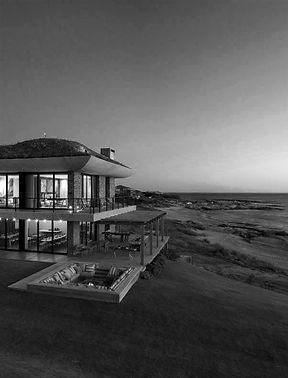 Playa Vik ByN.jpg