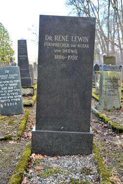Dr. René Lewin