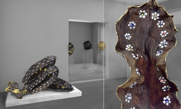 Eve's_Rib Gallery - Room2