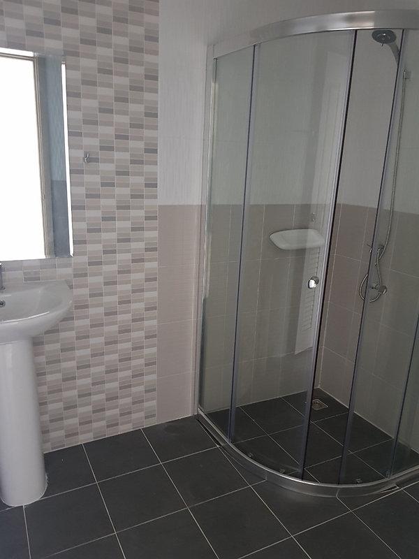 ห้องน้ำบ้าน ณฐาวดี วิลเลจ.jpg