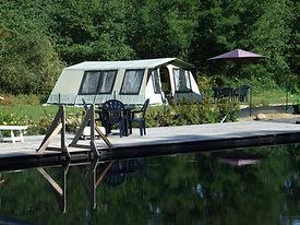 bungalowtent aan het ecologishe zwembaddDSCF5343 (Small).JPG