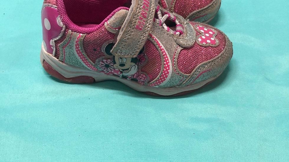 Little kid size 6, Minnie mouse tennis shoes light up