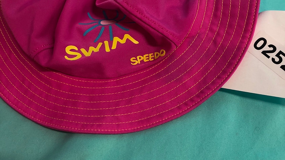 Speedo water hat with tie size extra-large
