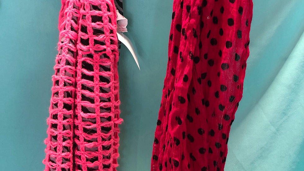 Scarfs Black and pink 2 count