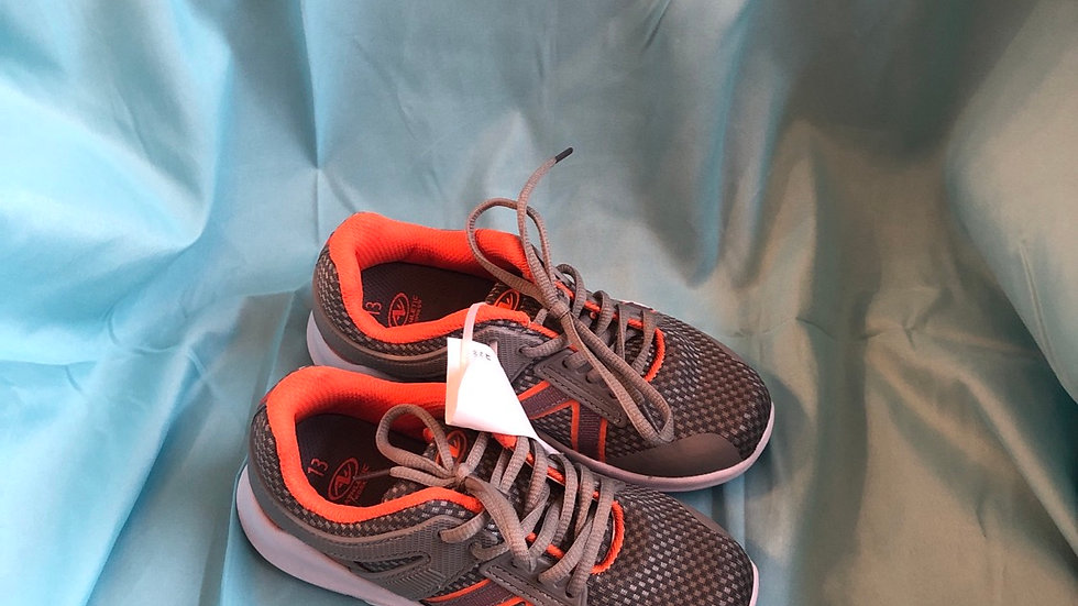 Little kid Size 13, athletic works great in orange shoes like new