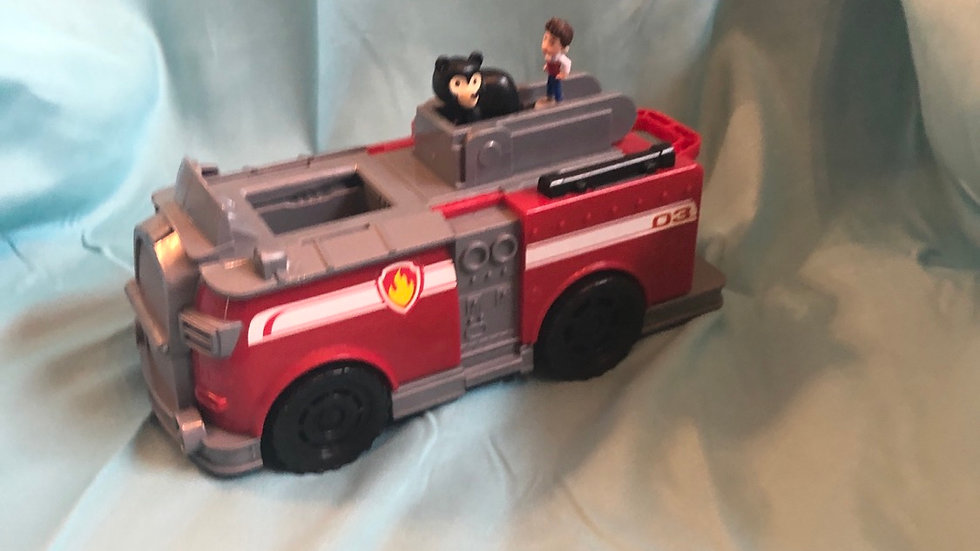 Paw patrol firetruck with two characters
